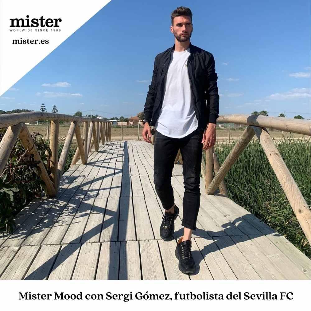 Sergi Gomez, jugador del Sevilla FC, un enamorado de las nuevas sneakers de Mister Shoes